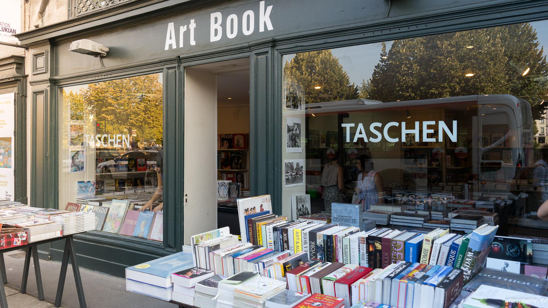 Art Book Lyon façade